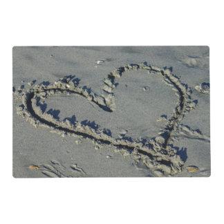 Corazón en la arena tapete individual