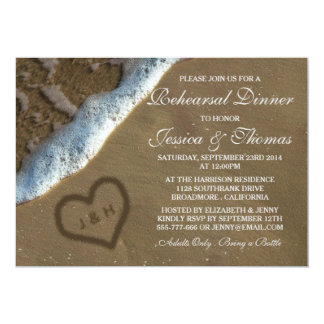 """Corazón en la cena del ensayo del boda de playa de invitación 5"""" x 7"""""""