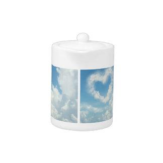 Corazón en las nubes, diseño romántico del cielo a
