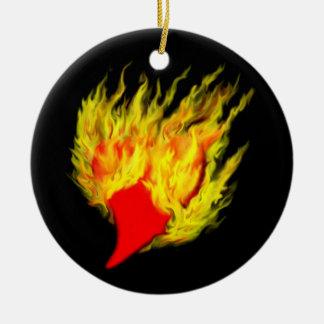 Corazón en llamas ornamente de reyes