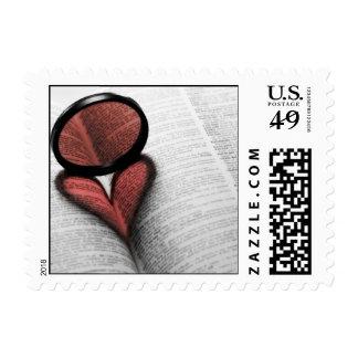 Corazón en un libro timbres postales