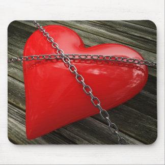 corazón encadenado tapete de ratón