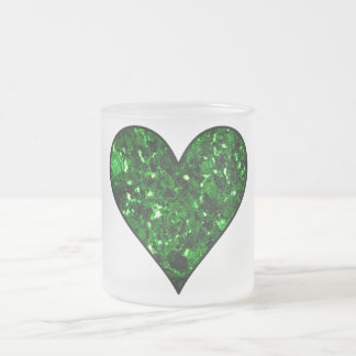 Corazón esmeralda de la gema taza