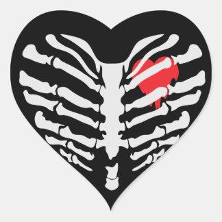 Corazón esquelético pegatina en forma de corazón