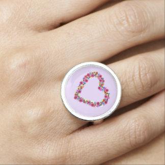 Corazón floral en lavanda anillos