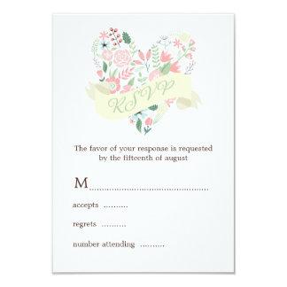 Corazón floral moderno que casa la respuesta de invitación 8,9 x 12,7 cm