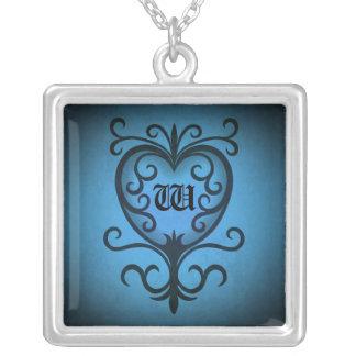 Corazón gótico elegante del victorian en monograma colgante cuadrado
