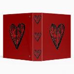 Corazón grabado rayado rojo