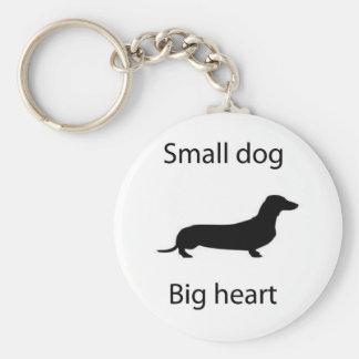corazón grande del pequeño perro llavero redondo tipo pin