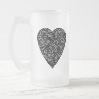 Corazón gris y negro. Diseño modelado del corazón Taza De Cristal