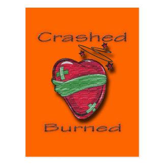 Corazón herido estrellado y quemado tarjeta postal