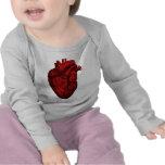 Corazón humano anatómico camisetas