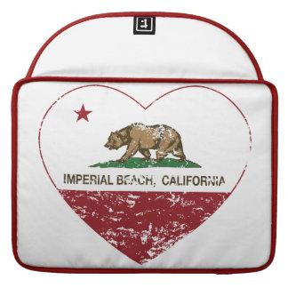 corazón imperial de la playa de la bandera de Cali Funda Para Macbooks