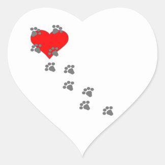 Corazón (impresiones de la pata) pegatina en forma de corazón