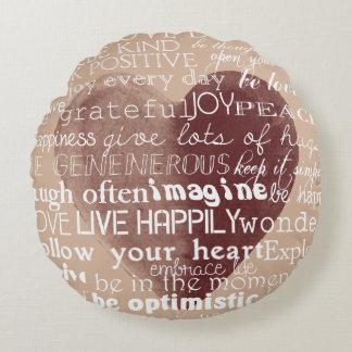 Corazón inspirado de la acuarela de las palabras cojín redondo