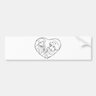Corazón interior de novia y del novio etiqueta de parachoque