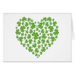 Corazón irlandés del trébol felicitacion