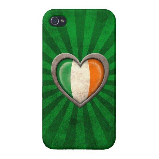 Corazón irlandés envejecido de la bandera con los  iPhone 4 cárcasas
