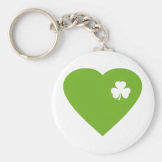 corazón irlandés verde llavero redondo tipo pin