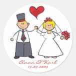 Corazón lindo del amor del novio de la novia de pegatinas redondas