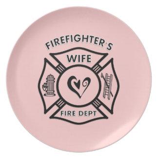 Corazón maltés de la esposa de los bomberos plato