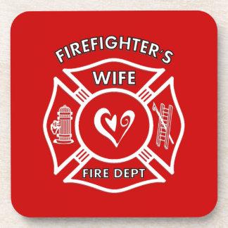 Corazón maltés de la esposa de los bomberos posavasos de bebidas