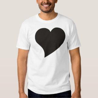 Corazón negro curvado polera