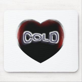 Corazón negro frío alfombrillas de ratón