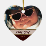 Corazón nuestro ornamento de la foto de la alegría adorno