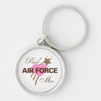Corazón orgulloso de la mamá de la fuerza aérea llavero redondo plateado