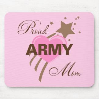Corazón orgulloso de la mamá del ejército alfombrilla de ratones