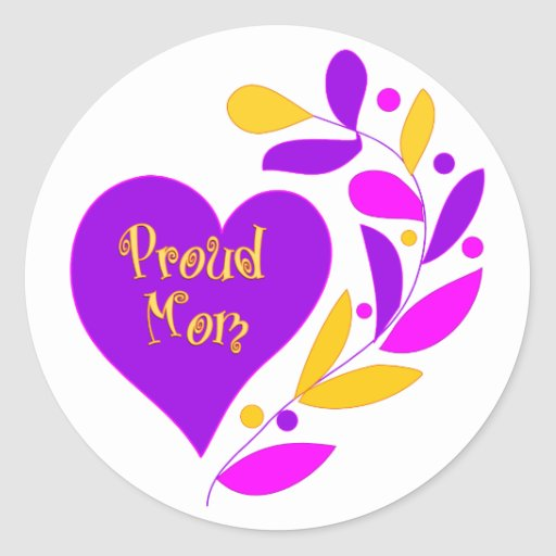 Corazón orgulloso de la mamá etiqueta redonda