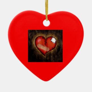 Corazón-ornamento quebrado de la reparación adorno de reyes