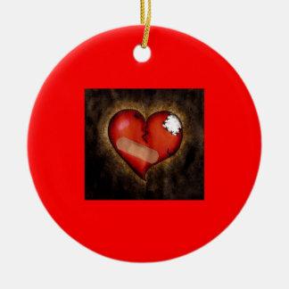 Corazón-ornamento quebrado de la reparación ornamentos de reyes magos