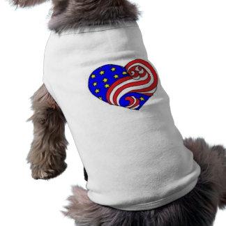 Corazón patriótico playera sin mangas para perro
