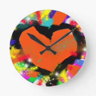 corazón, paz y amor coloridos reloj de pared