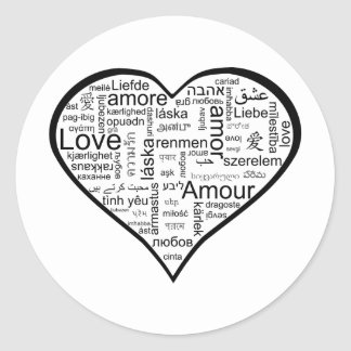 Corazón por completo del amor en otros idiomas etiqueta redonda