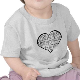 Corazón por completo del amor en otros idiomas camisetas