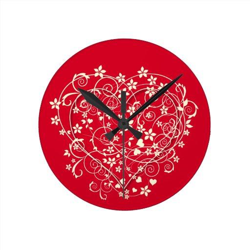 Corazón precioso en rojo reloj redondo mediano