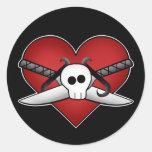 Corazón punky gótico lindo en tarjeta del día de etiqueta redonda