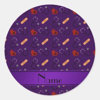 Corazón púrpura conocido personalizado del vendaje pegatina redonda