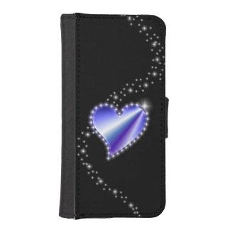 Corazón púrpura del arco iris con las estrellas en fundas tipo billetera para iPhone 5