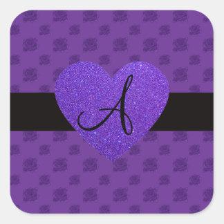 Corazón púrpura del monograma de los rosas pegatina cuadrada
