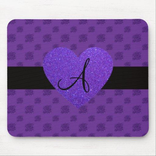 Corazón púrpura del monograma de los rosas tapetes de raton