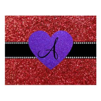 Corazón púrpura del monograma rojo del brillo postal