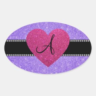 Corazón púrpura del rosa del brillo del monograma pegatina ovalada