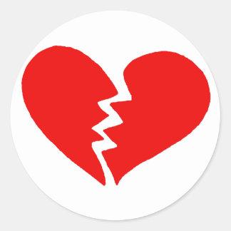 Corazón quebrado minúsculo pegatina redonda