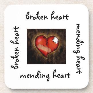 Corazón quebrado práctico de costa del corazón-cor posavasos de bebida