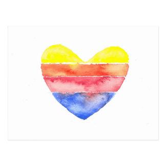 Corazón rayado colorido pintado en watercolour tarjeta postal