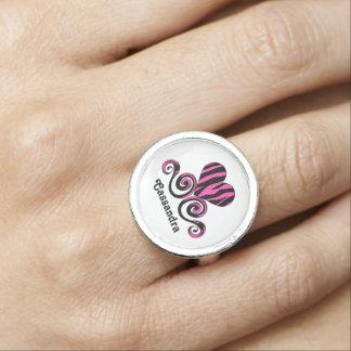 Corazón rayado personalizado femenino de la cebra anillos